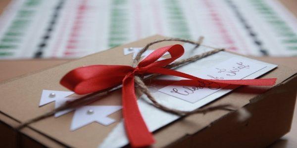 Regali di Natale Online Con Amazon Negozio di Natale