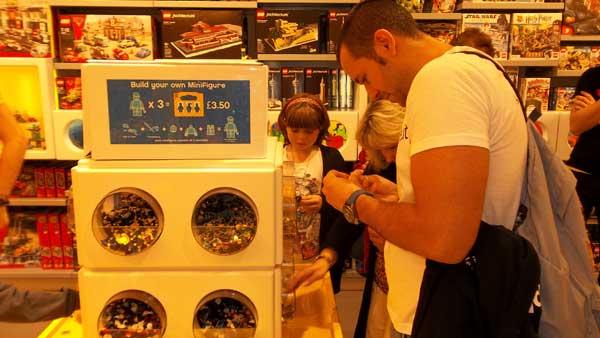 Valerio Novelli e Lego Store Cardiff 2012